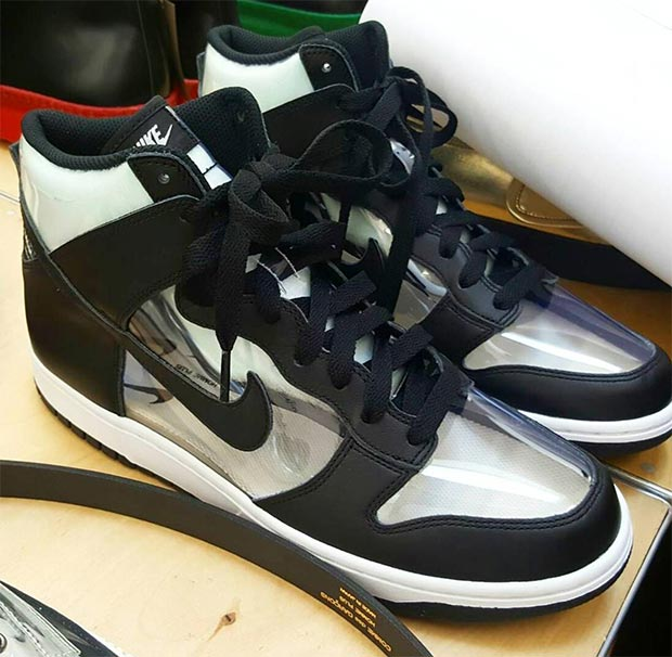 comme-des-garcons-nike-dunk-high-clear-1