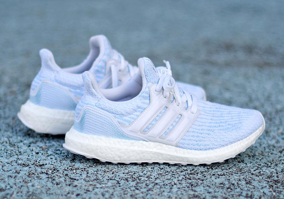 bd1a4ec57f43a hommes   femmes adidas ultra boost blanc bleu nouveau noël nouveau bleu  marché aux enchères exquise de transformation 64b0bd